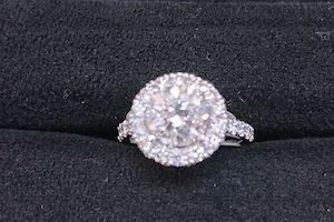 ダイヤモンド2カラット指輪