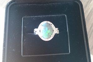 ダイヤモンドオパール指輪